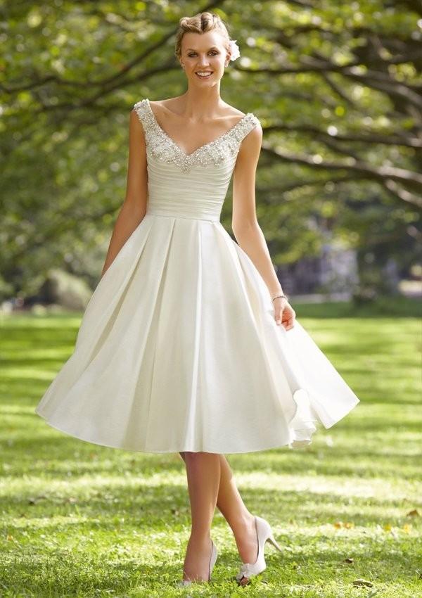 258Не пышные платья на свадьбу