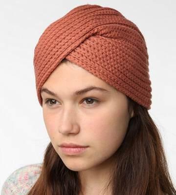 Модные вязанные шапки осень-зима 2019-2020 для женщин 12