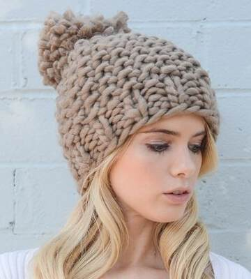 Модные вязанные шапки осень-зима 2019-2020 для женщин 21