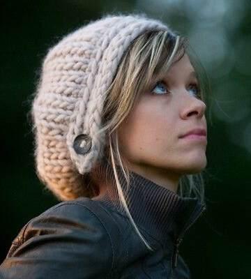 Модные вязанные шапки осень-зима 2019-2020 для женщин 23