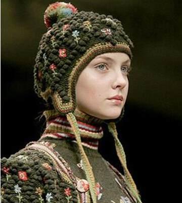 Модные вязанные шапки осень-зима 2019-2020 для женщин 29