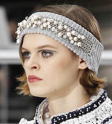 Модные вязанные шапки осень-зима 2019-2020 для женщин 32
