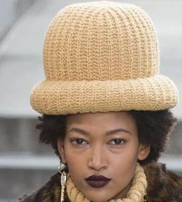 Модные вязанные шапки осень-зима 2019-2020 для женщин 38