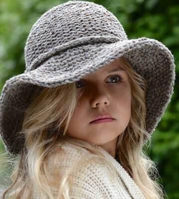 Модные вязанные шапки осень-зима 2019-2020 для женщин 45