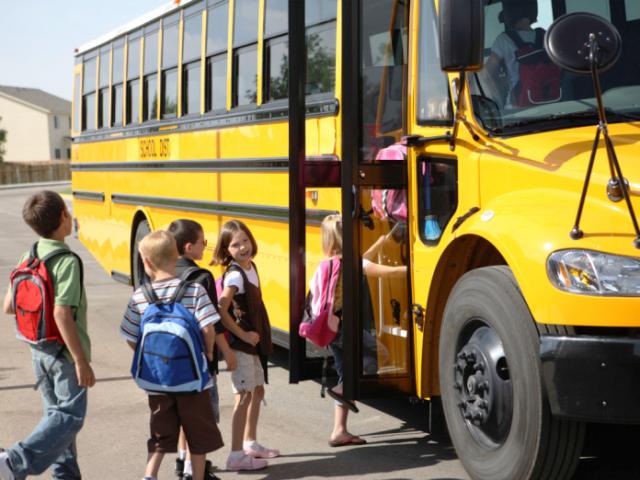 Photo of Льготы школьникам на проезд в автобусе 2019-2020 года