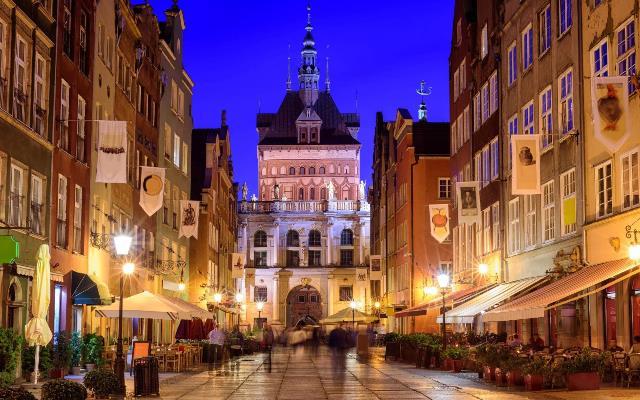 Photo of Где провести новогоднюю ночь в Польше: Новый год в Варшаве