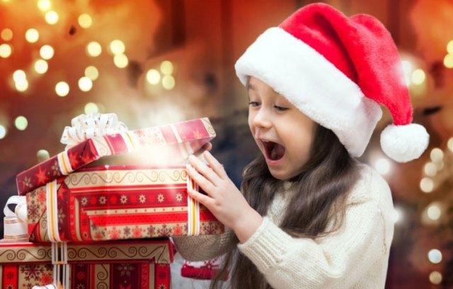 Photo of Что подарить дочери на Новый год: презент для леди любого возраста