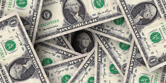 """Курс доллара и евро на апрель 2019 года: прогноз"""""""
