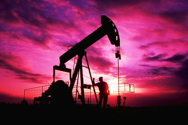 Photo of Почему дешевеет нефть в ноябре?