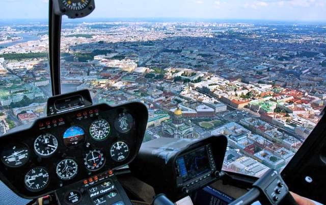 Почему полет на вертолете – лучший подарок?